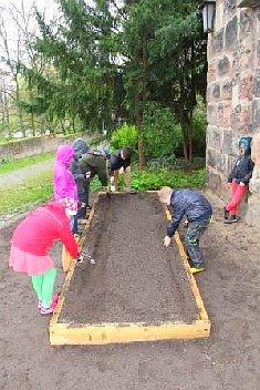 hochbeet2 Gärtnern mit Kindern